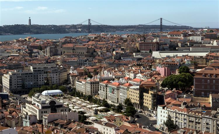 Lisboa enche-se de funcionários públicos