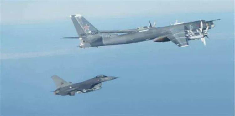 Bombardeiros russos voltam a aparecer junto a Portugal