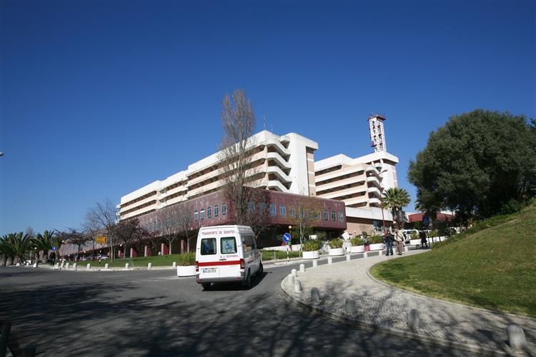 Chefes da Urgência do Garcia de Orta recuam na demissão