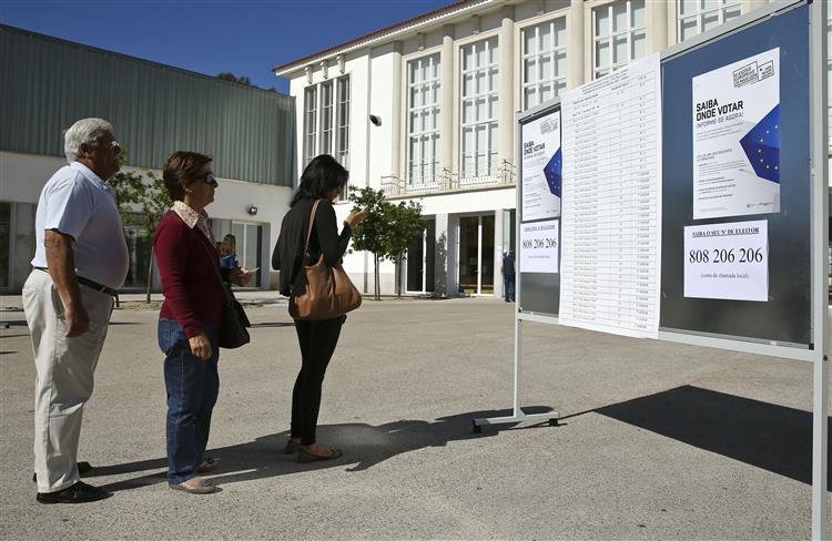 Legislativas em números. Nove milhões de portugueses são hoje chamados a votar