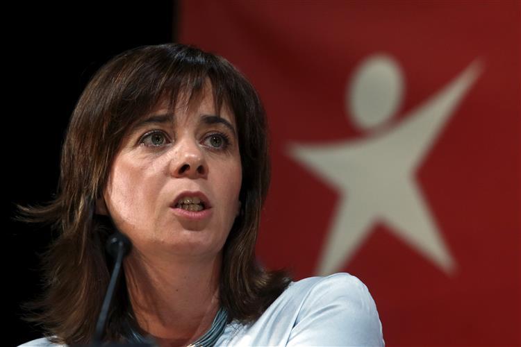 Catarina Martins anuncia que chumbará 'Governo de direita'
