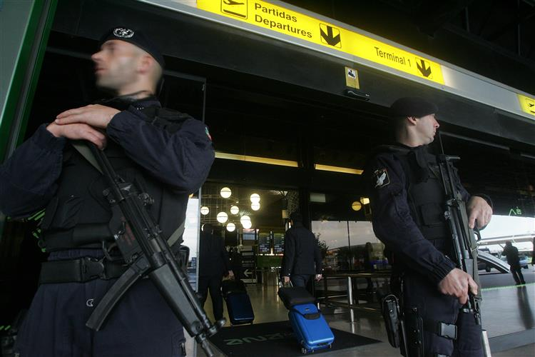 Segurança reforçada nos aeroportos
