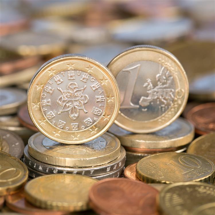 Economistas esperam crescimento do PIB abaixo da meta do anterior governo para 2015
