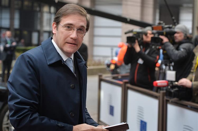 Passos Coelho: Agências de notação esperam pelas eleições para subir 'rating'