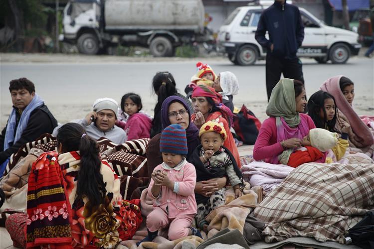 Nepal. Réplicas geram o pânico, número de mortes chega aos 2200