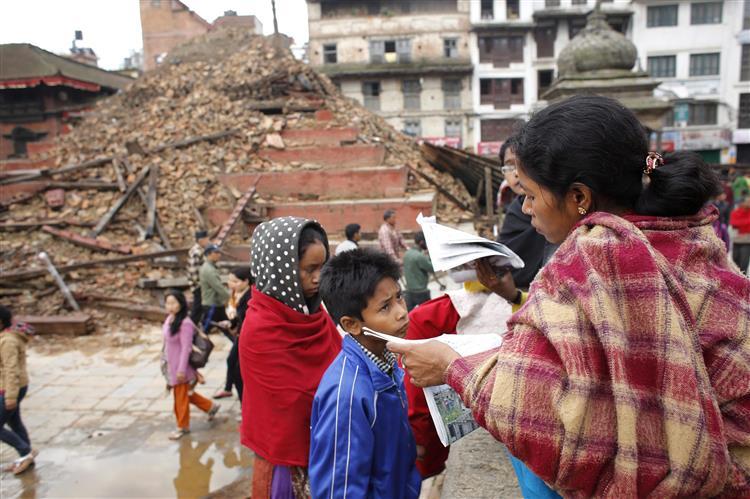 Quase um milhão de crianças nepalesas precisam de ajuda humanitária urgente