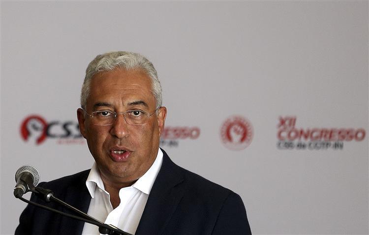 Costa acusa direita de insistir no corte de pensões