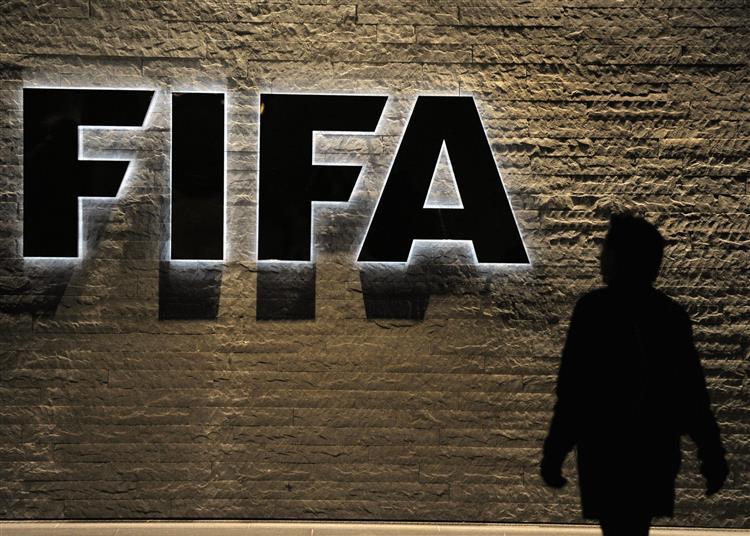 Seis altos responsáveis da FIFA detidos por corrupção