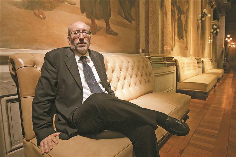 António Filipe: 'Candidatura de Sampaio da Nóvoa é muito respeitável'
