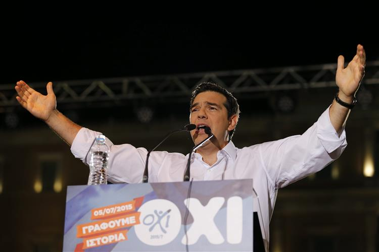Tsipras pede voto 'não' em nome da democracia e da dignidade