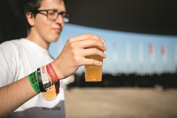 Campanha anti-álcool não chegou a tempo dos festivais