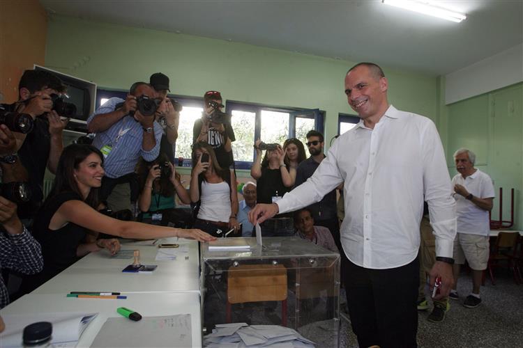 Varoufakis. Euro e democracia têm de ser compatíveis