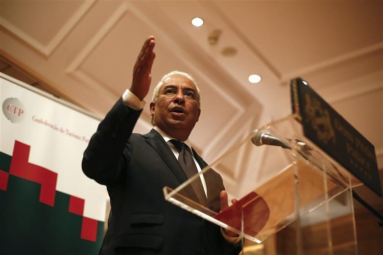 Costa compromete-se com manutenção do IVA do alojamento em 6%