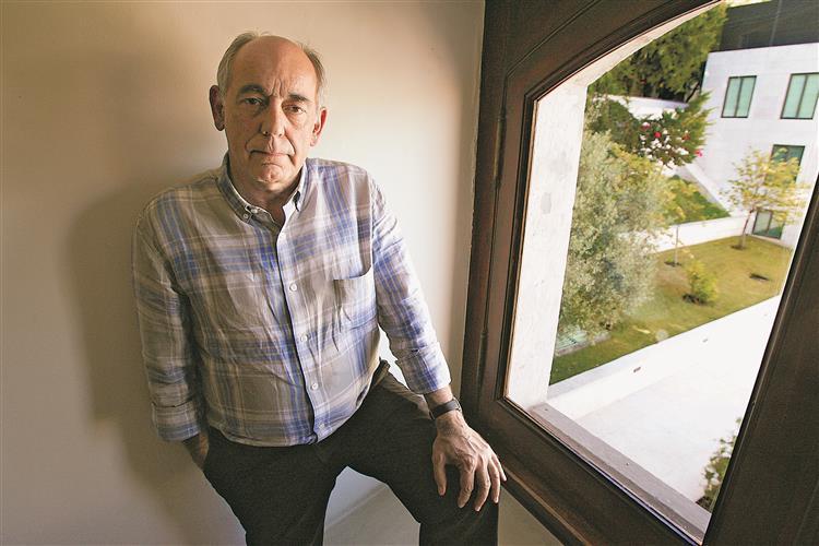 'A ideia do referendo é um truque', diz João Semedo