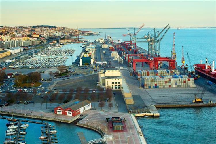 Acordo acaba com greve no Porto de Lisboa